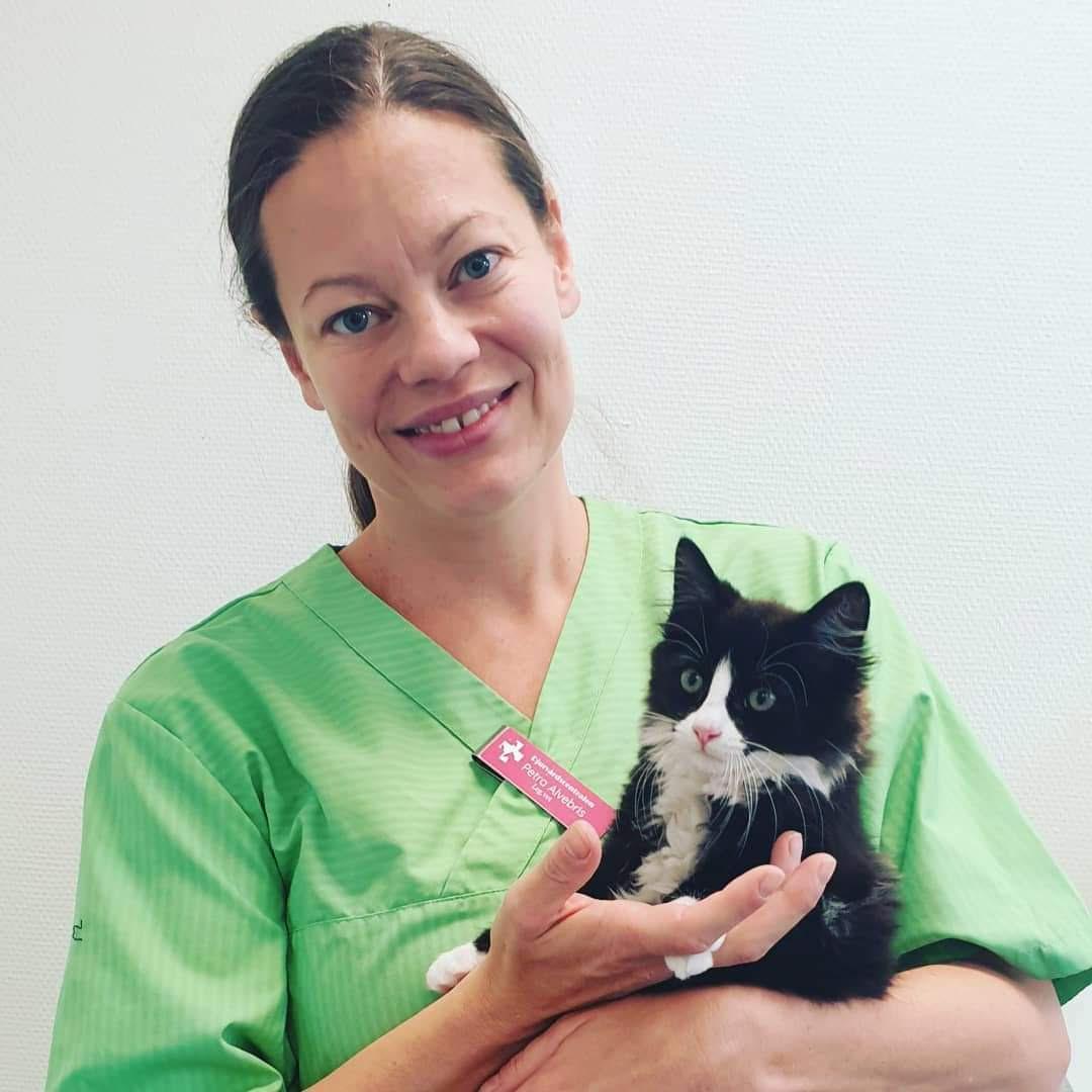 Bild på Petra med en katt